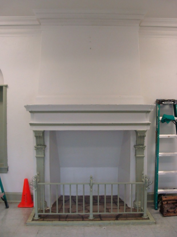 Foyer/Fireplace BEFORE