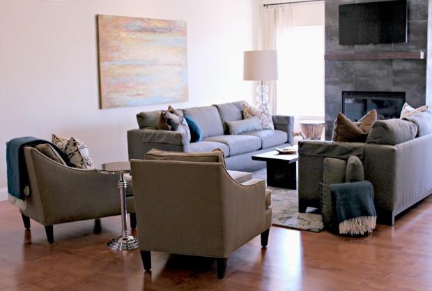Pacific Mo Trasistional Living Room